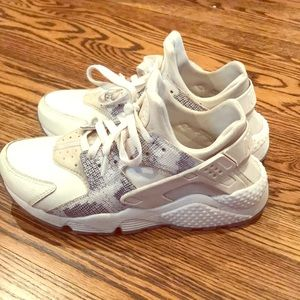 3d28944d72b0 Nike Shoes - Nike Air Huarache snake skin cream grey